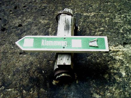 Wegweiser an der Glatten Wand - Klammweg - Pfaffenstein Wegweiser an der Glatten Wand - Klammweg - Pfaffenstein glatte wand klammweg pfaffenstein