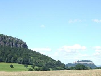 Pfaffenstein und Festung Königstein Pfaffenstein und Königstein Pfaffenstein Festung Königstein