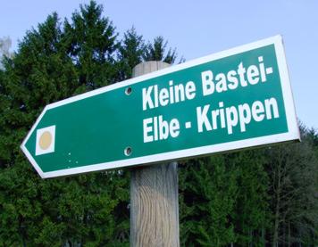 Die Kleine Bastei - von hier hat man einen schönen Blick zum Schrammsteinmassiv Wanderung Gelobtbachmühle - Großer Zschirnstein - Kleine Bastei Krippen wanderung gelobtbachmühle zschirnstein krippen kaiserkrone hundskirche mittelhangweg