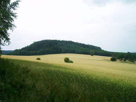 Der Quirl vom Pfaffenstein aus gesehen Der Quirl vom Pfaffenstein aus gesehen quirl pfaffenstein pfaffendorf diebeshöhle