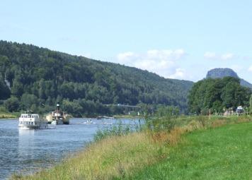 In Bad Schandau am Elbufer Bad Schandau Elbe Schiffe In Bad Schandau am Elbufer