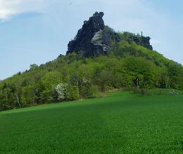 """Bildschirmschoner """"Panorama Lilienstein im Elbsandsteingebirge"""" - April/Mai 2006 lilienstein bildschirmschoner elbsandsteingebirge ebenheit königstein Der Lilienstein"""