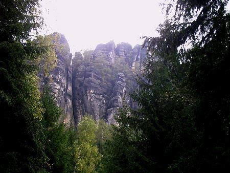 Schrammsteinwanderung, 22 km, 8,5 Stunden, schwer (Teil 1) schrammsteine falkenstein postelwitz ostrau rauschenstein wandern wanderung Auf dem Weg zu den Schrammsteinen - Leider bei schlechtem Wetter